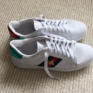 494730d0659 Red   green bumble bee sneakers sz 8